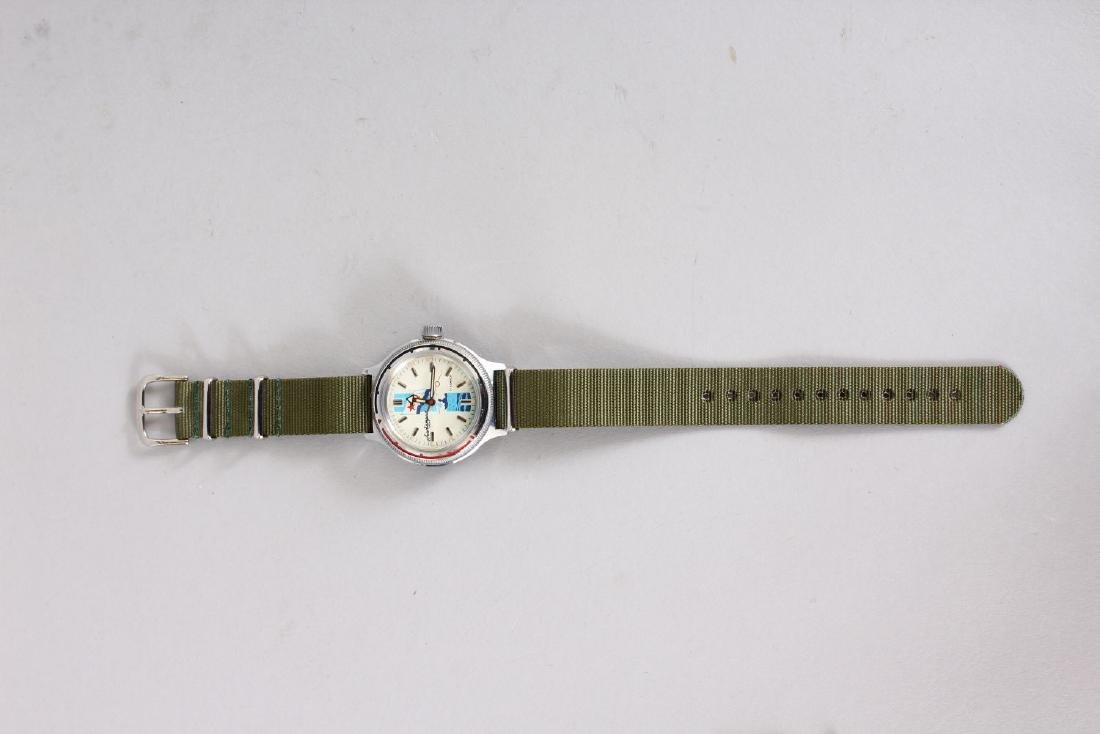 A GENTLEMAN'S AUTOMATIC WRISTWATCH with strap, in a red - 2