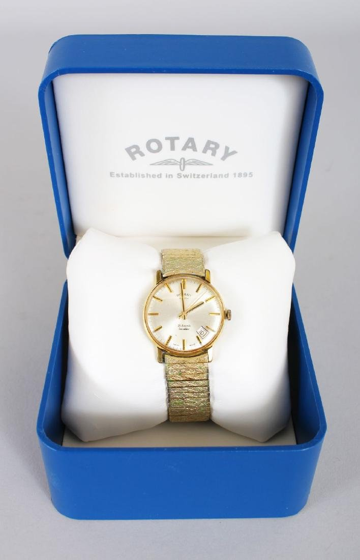A GENTLEMAN'S ROTARY WRISTWATCH with bracelet, boxed.