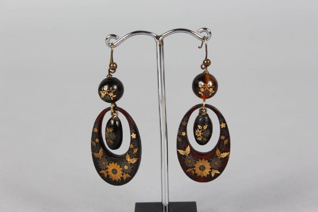 A PAIR OF VICTORIAN JET EARRINGS. - 2
