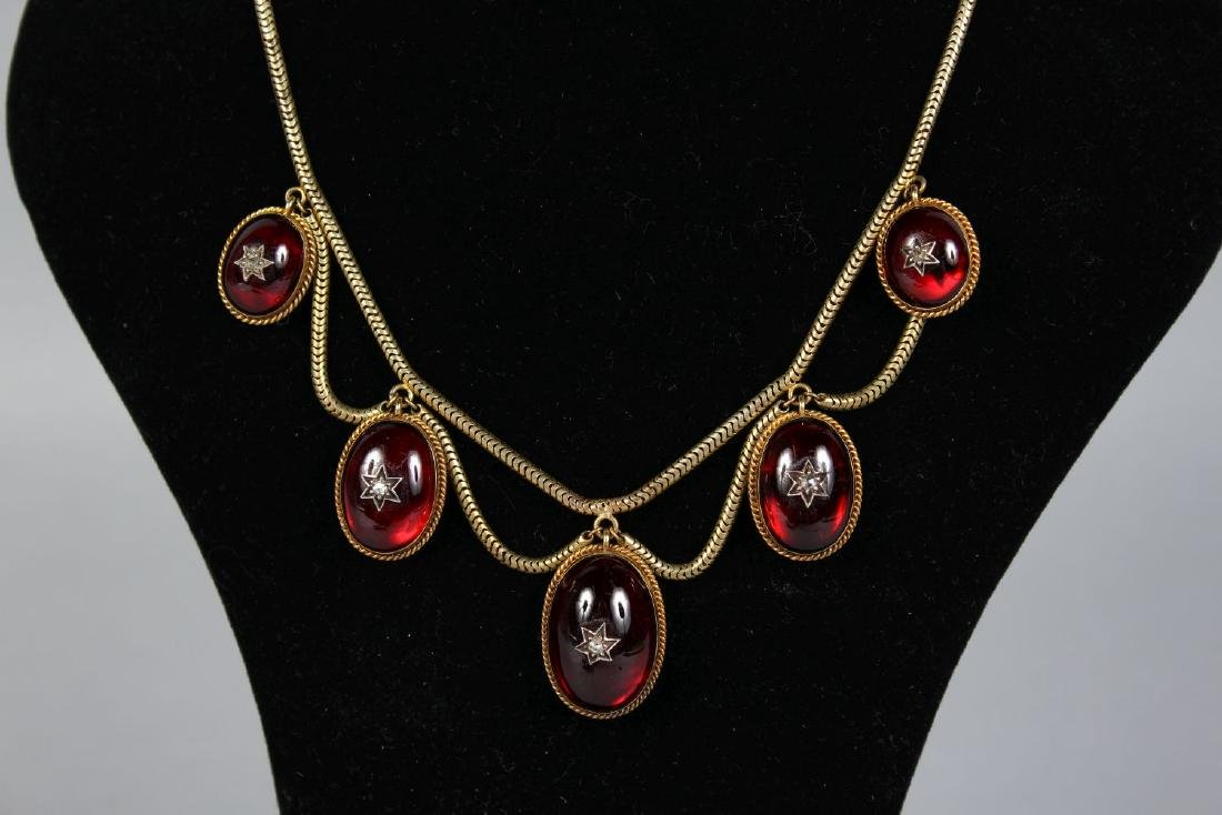 A VICTORIAN NECKLACE AND EARRINGS. - 2