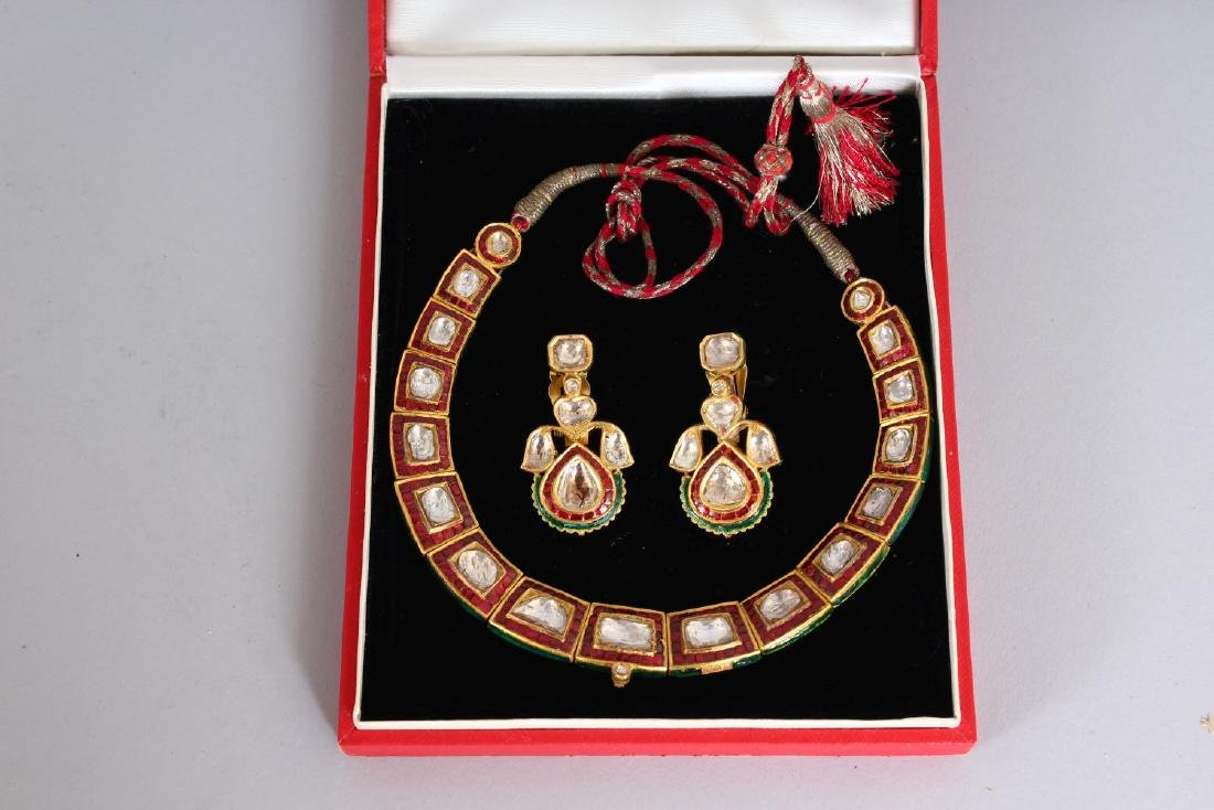 A SUPERB DIAMOND AND RUBY SET NECKLACE AND EARRINGS - 2