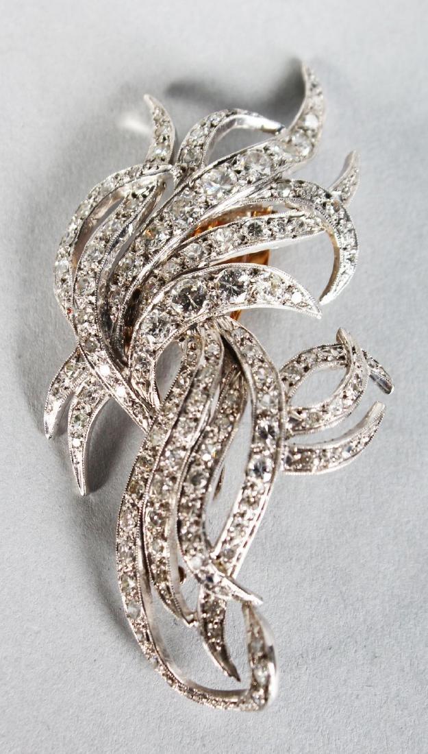 A VERY GOOD 18CT WHITE GOLD DIAMOND SET SPRAY BROOCH.