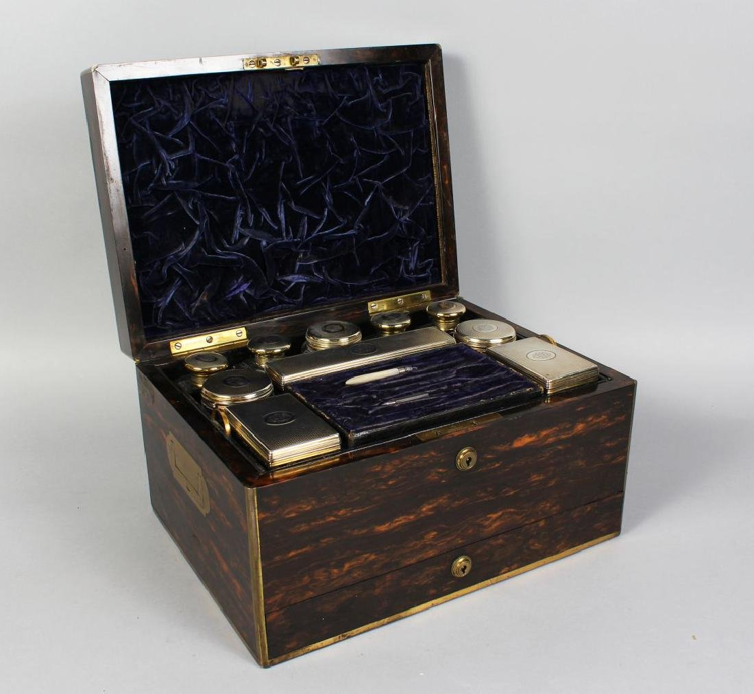 A VERY GOOD LADIES VICTORIAN COROMANDEL VANITY CASE,