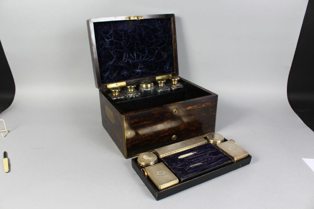 A VERY GOOD LADIES VICTORIAN COROMANDEL VANITY CASE, - 3