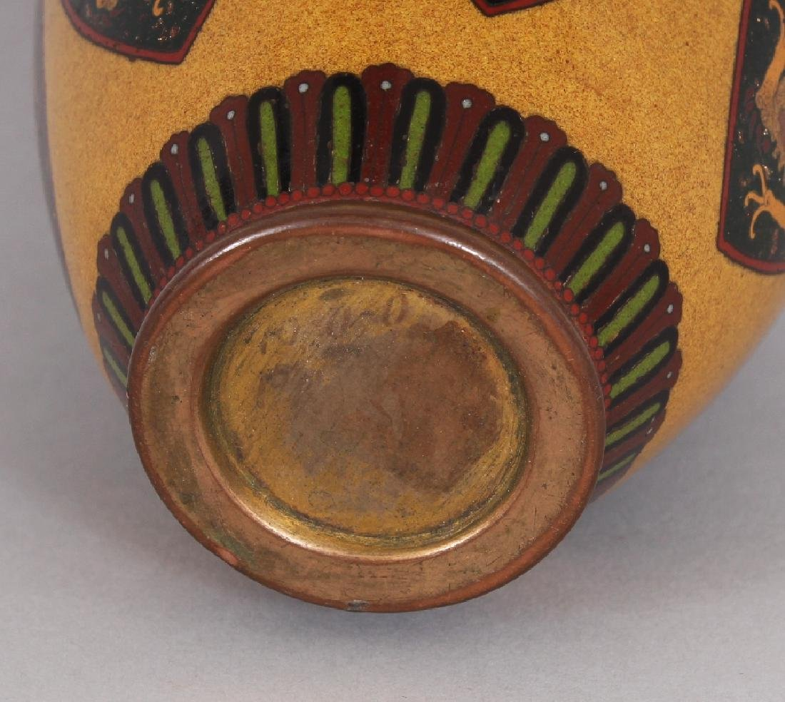A GOOD QUALITY JAPANESE MEIJI PERIOD CLOISONNE VASE, in - 8