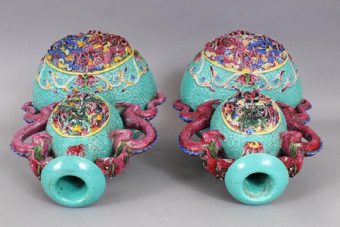 A LARGE PAIR OF 19TH/20TH CENTURY CHINESE FAMILLE ROSE - 5