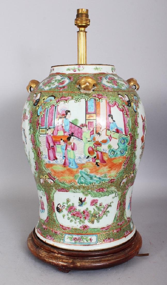 A LARGE 19TH CENTURY CHINESE CANTON PORCELAIN VASE,