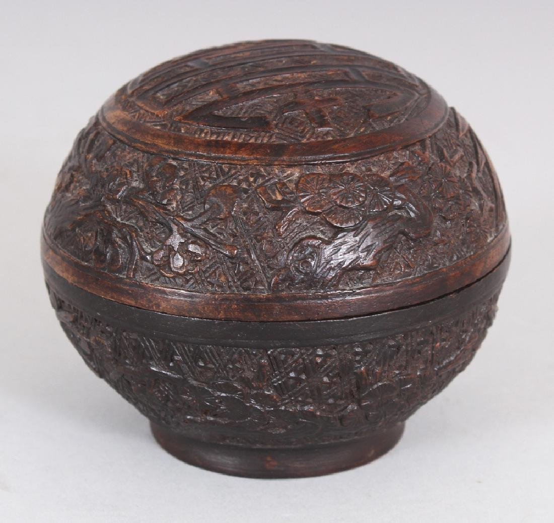 A GOOD QUALITY 19TH CENTURY CHINESE CARVED WOOD - 2