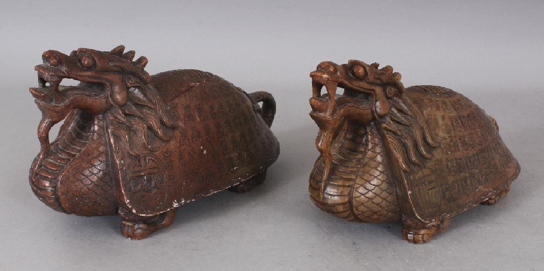 AN UNUSUAL PAIR OF 19TH/20TH CENTURY CHINESE SOAPSTONE