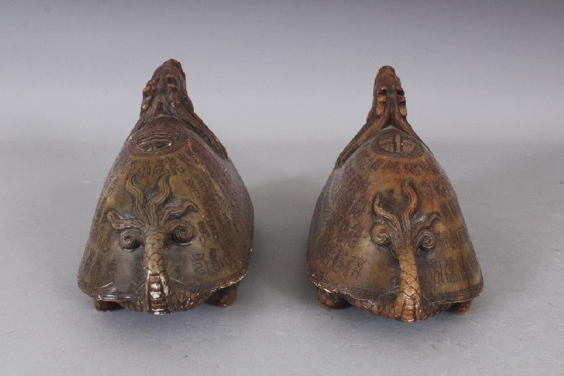 AN UNUSUAL PAIR OF 19TH/20TH CENTURY CHINESE SOAPSTONE - 5