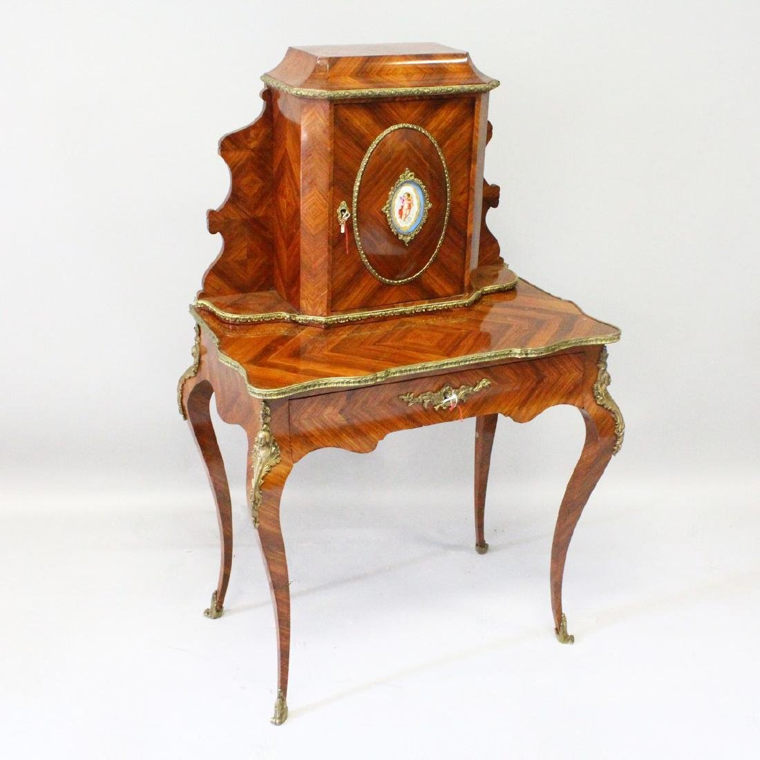 A GOOD 19TH CENTURY FRENCH KINGWOOD WRITING DESK, the