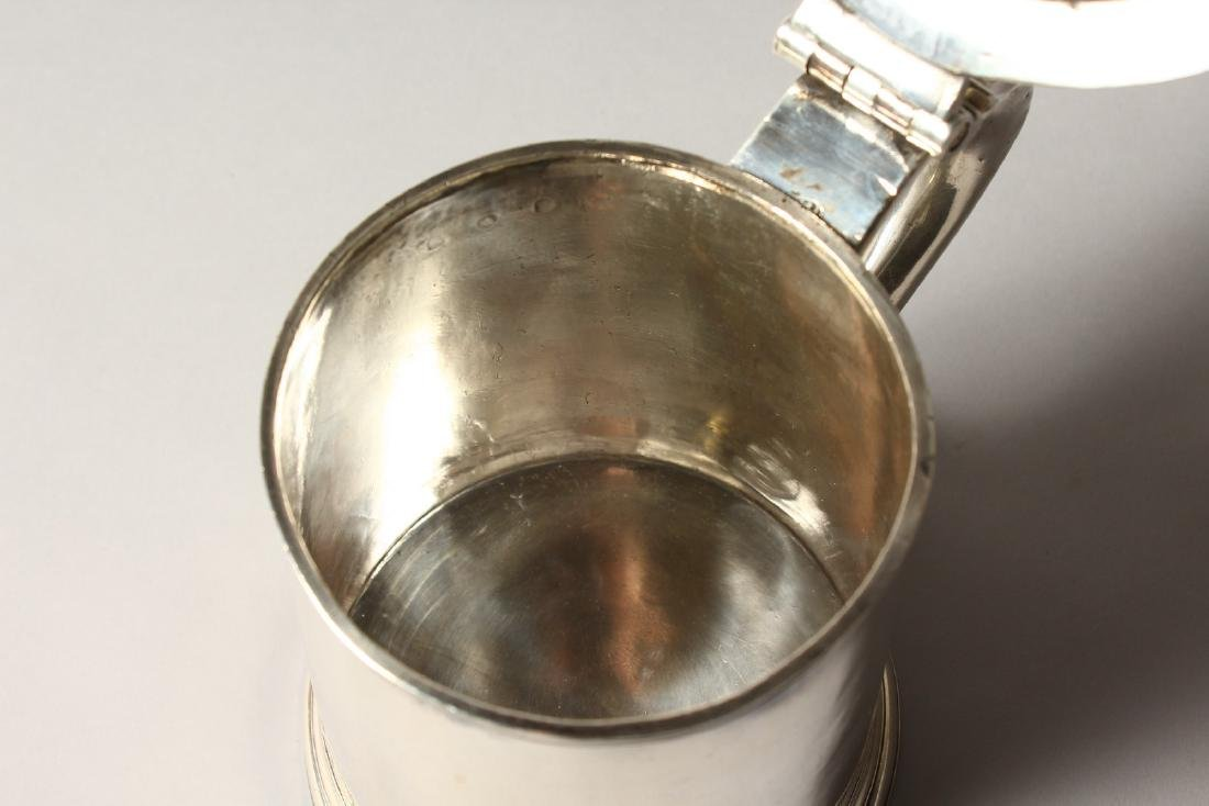A VERY GOOD QUEEN ANNE TAPERING TANKARD, with domed top - 8