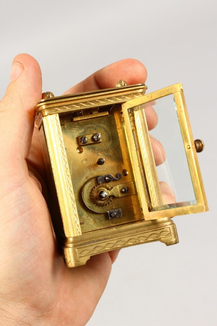 A GOOD FRENCH MINIATURE CARRIAGE CLOCK.  2.5ins high. - 5