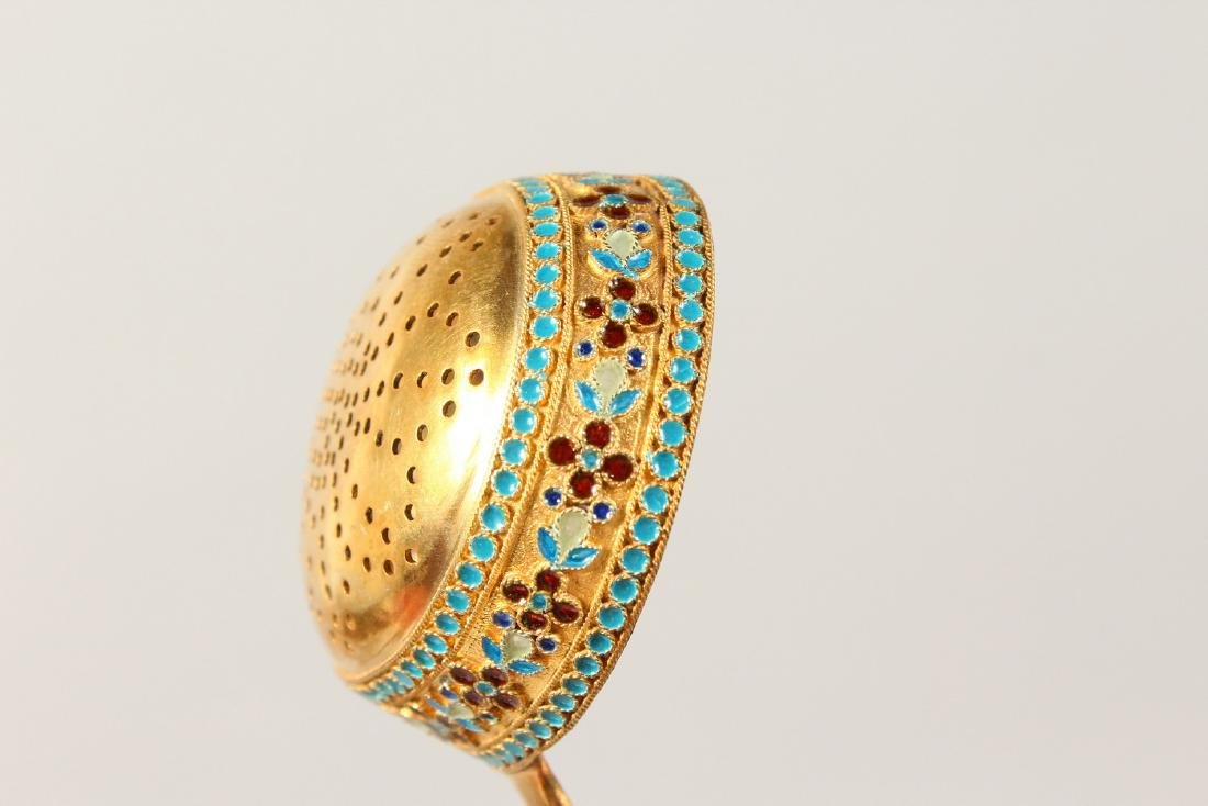 """A GOOD RUSSIAN """"FABERGE"""" STYLE SILVER GILT AND ENAMEL - 5"""
