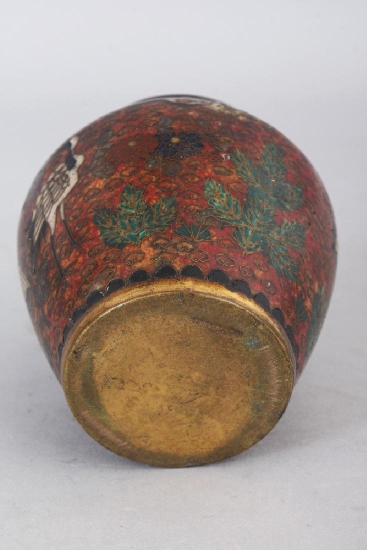A SMALL JAPANESE MEIJI PERIOD CLOISONNE VASE, decorated - 5