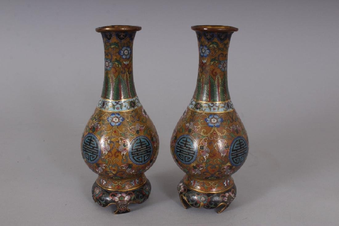 AN EARLY 20TH CENTURY PAIR OF GOOD QUALITY CHINESE - 3