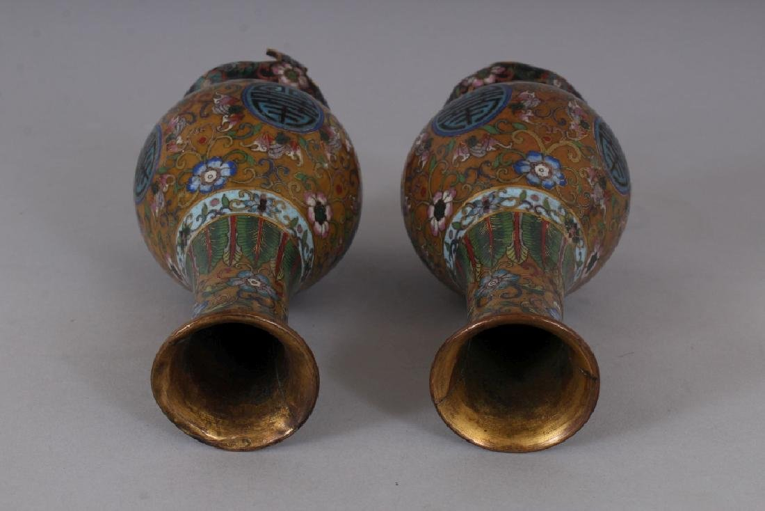 AN EARLY 20TH CENTURY PAIR OF GOOD QUALITY CHINESE - 4