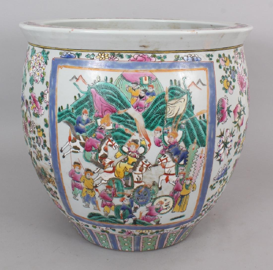 A LARGE CHINESE CANTON STYLE PORCELAIN JARDINIERE,