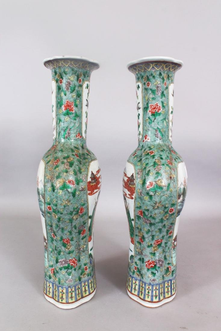 A LARGE PAIR OF 19TH CENTURY CHINESE FAMILLE VERTE - 2