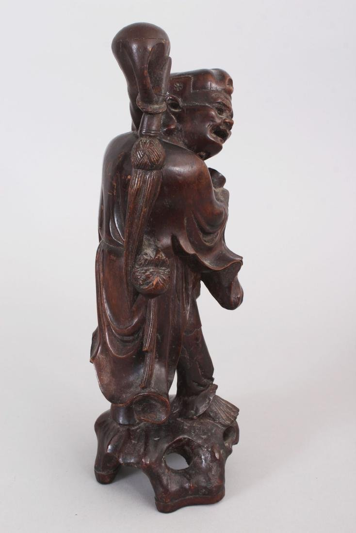 AN EARLY 20TH CENTURY CHINESE CARVED WOOD FIGURE OF AN - 2