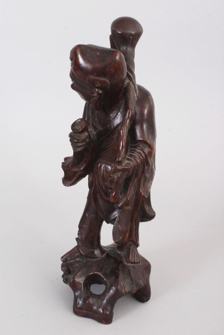 AN EARLY 20TH CENTURY CHINESE CARVED WOOD FIGURE OF AN - 4