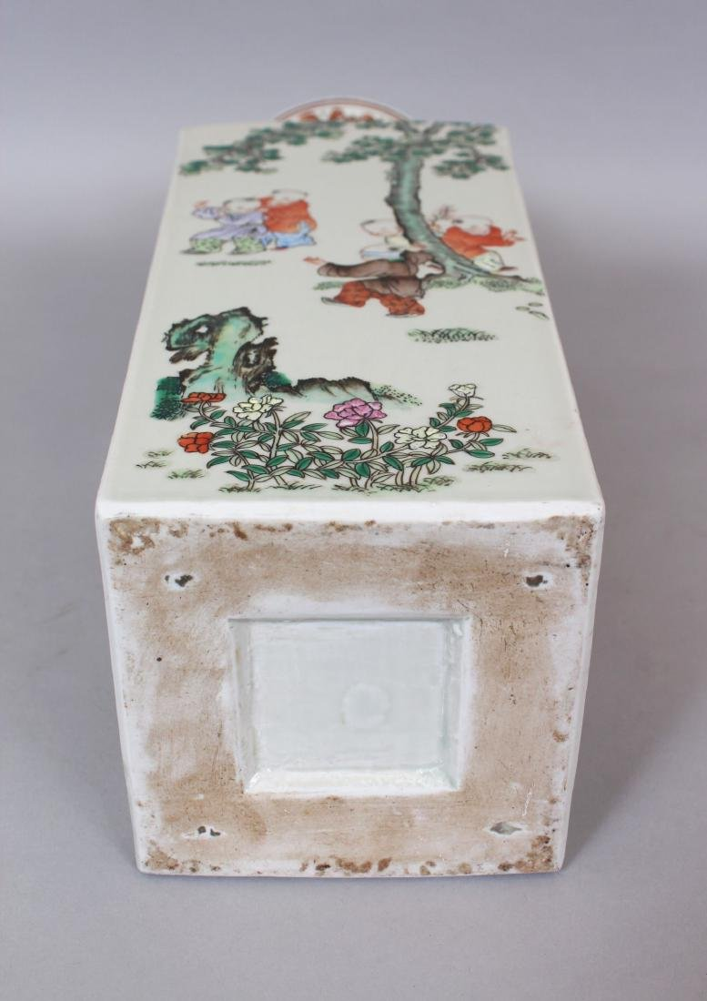 A CHINESE FAMILLE ROSE PORCELAIN VASE, the sides - 7