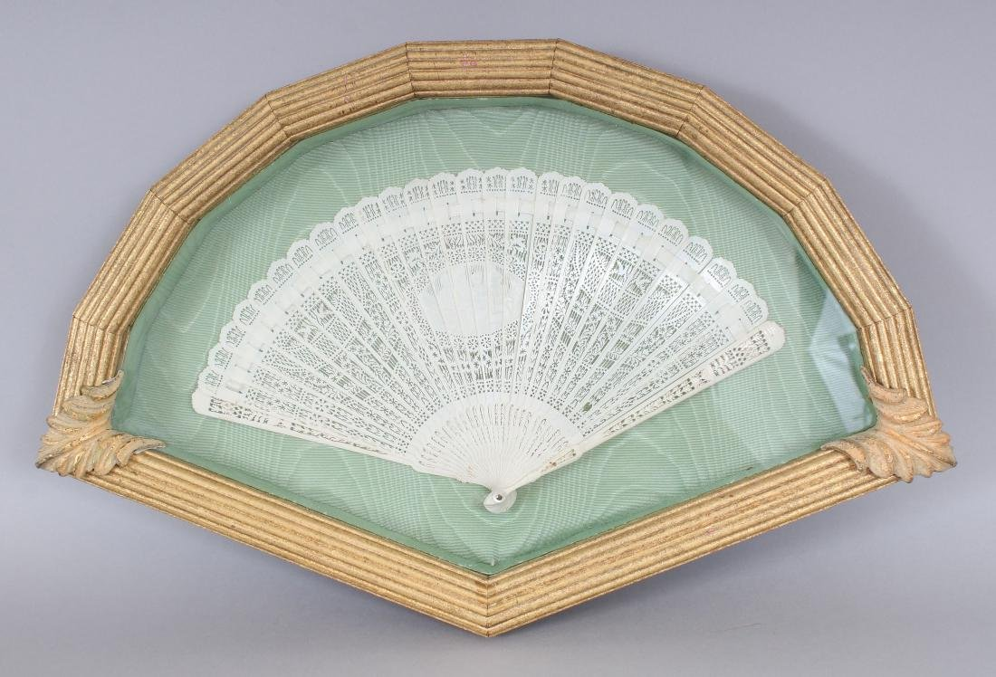 AN EARLY 20TH CENTURY CHINESE POLISHED BONE FAN,