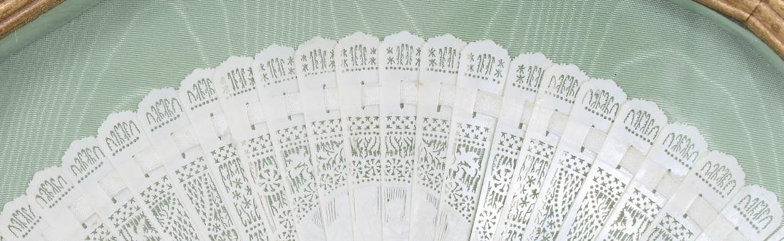 AN EARLY 20TH CENTURY CHINESE POLISHED BONE FAN, - 4
