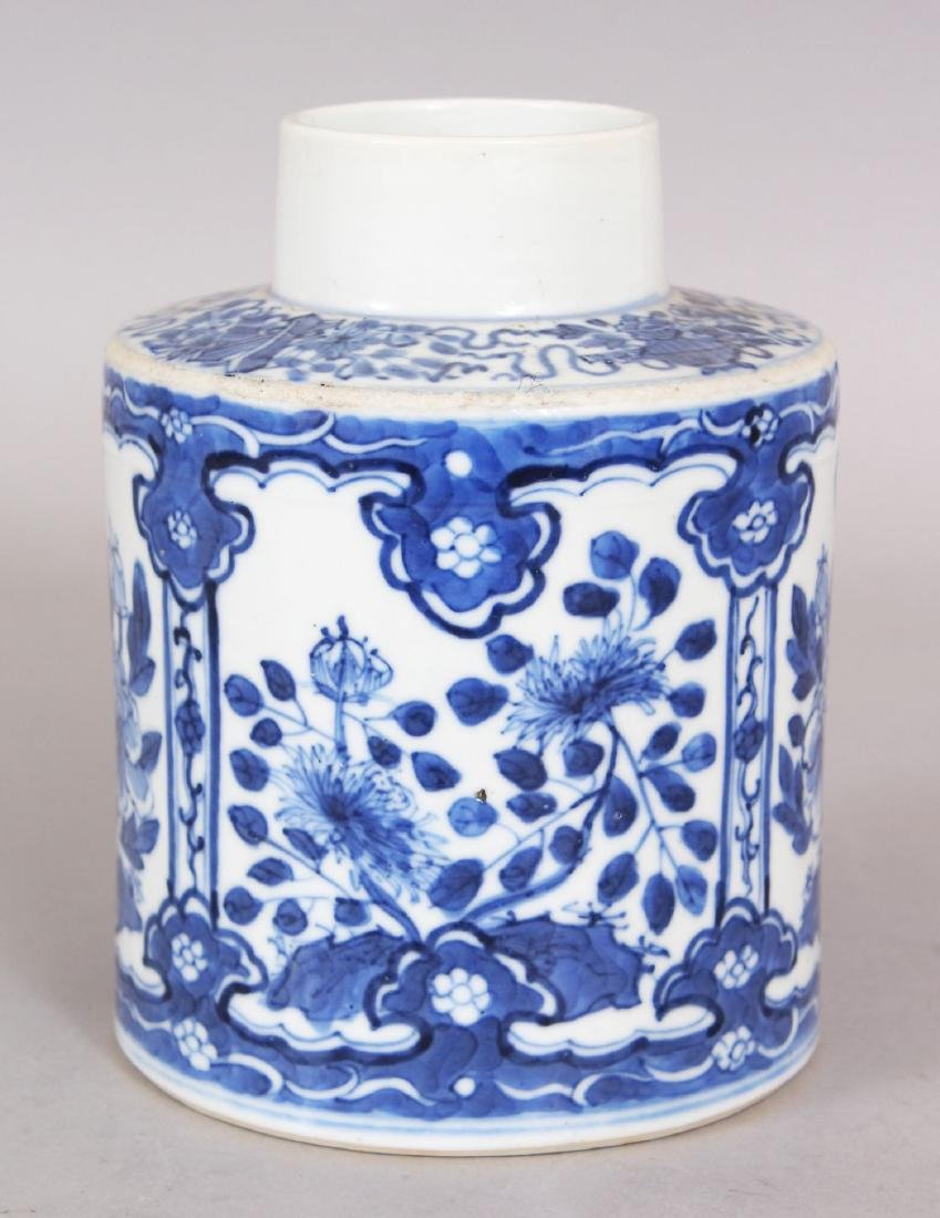 A 19TH CENTURY CHINESE BLUE & WHITE PORCELAIN TEA - 2