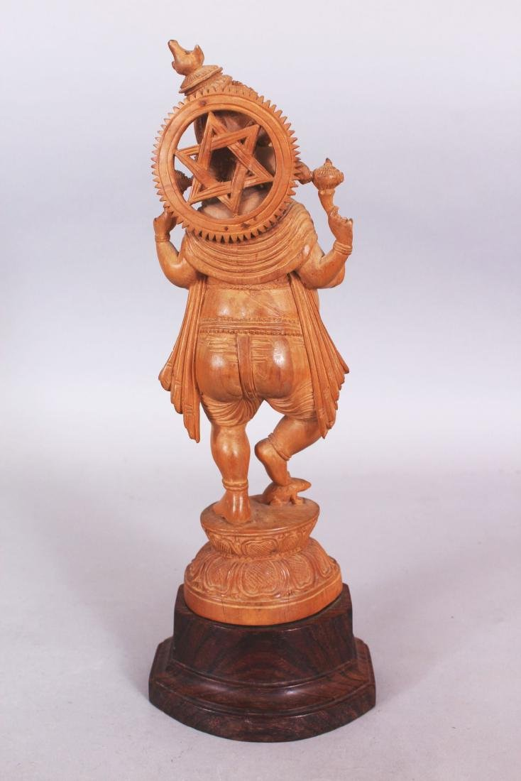 A GOOD QUALITY 20TH CENTURY INDIAN WOOD FIGURE OF - 3