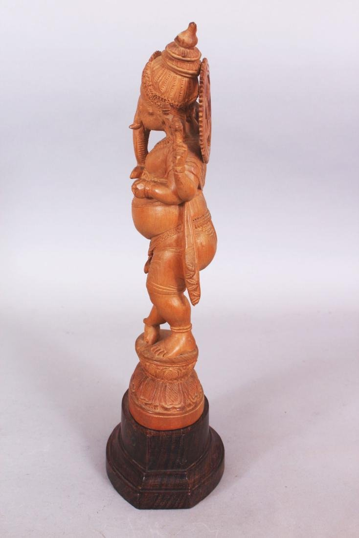 A GOOD QUALITY 20TH CENTURY INDIAN WOOD FIGURE OF - 4