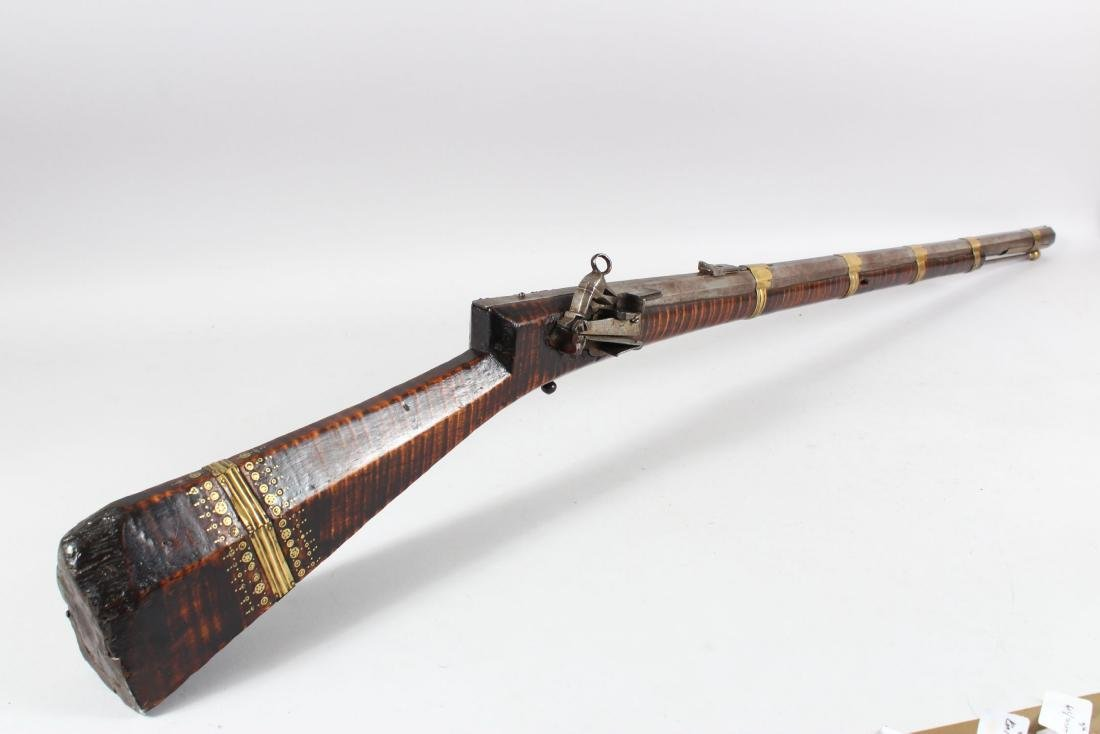 AN 18TH-19TH CENTURY OTTOMAN FLINTLOCK RIFLE with - 2