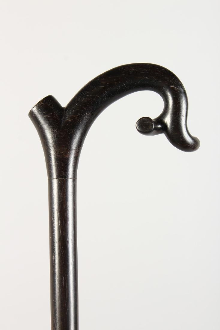 AN ELEGANT EBONY CANE.  3ft long. - 2