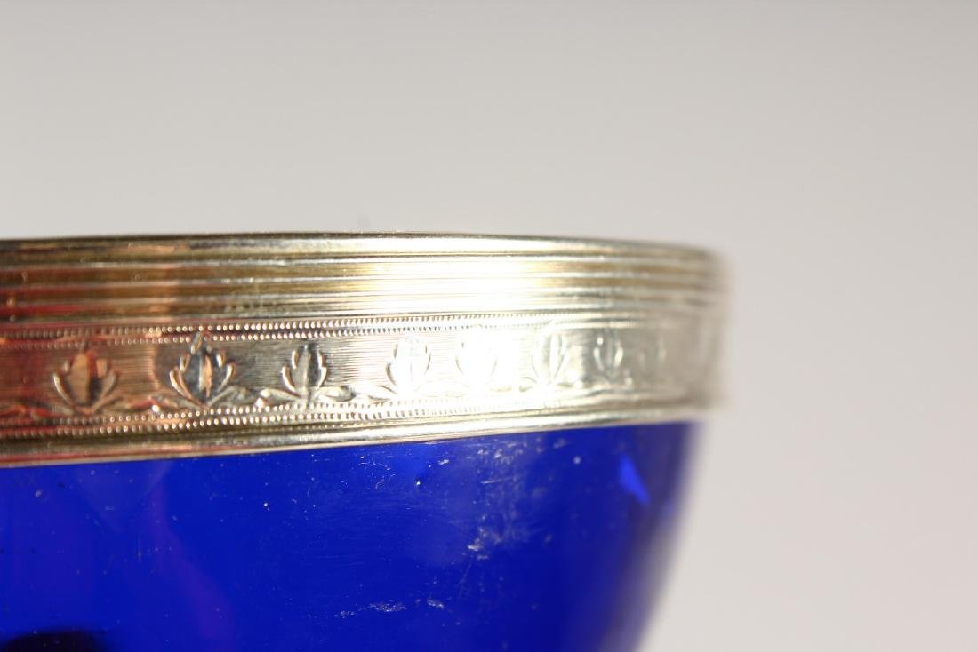 AN OLD SHEFFIELD PLATE PEDESTAL SUGAR BOWL, with blue - 7