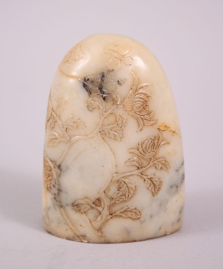 A GOOD 19TH CENTURY CHINESE SOAPSTONE SEAL, with