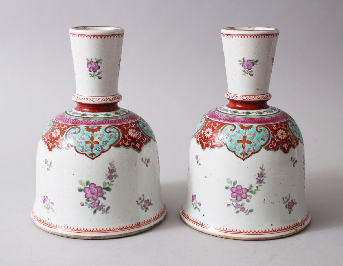 A GOOD PAIR OF 18TH / 19TH CENTURY CHINESE BELL SHAPED
