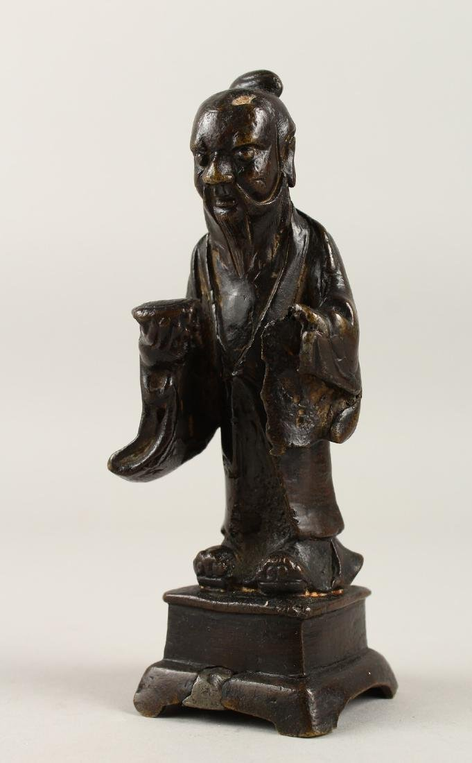 A GOOD CHINESE MING DYNASTY BRONZE FIGURE OF A