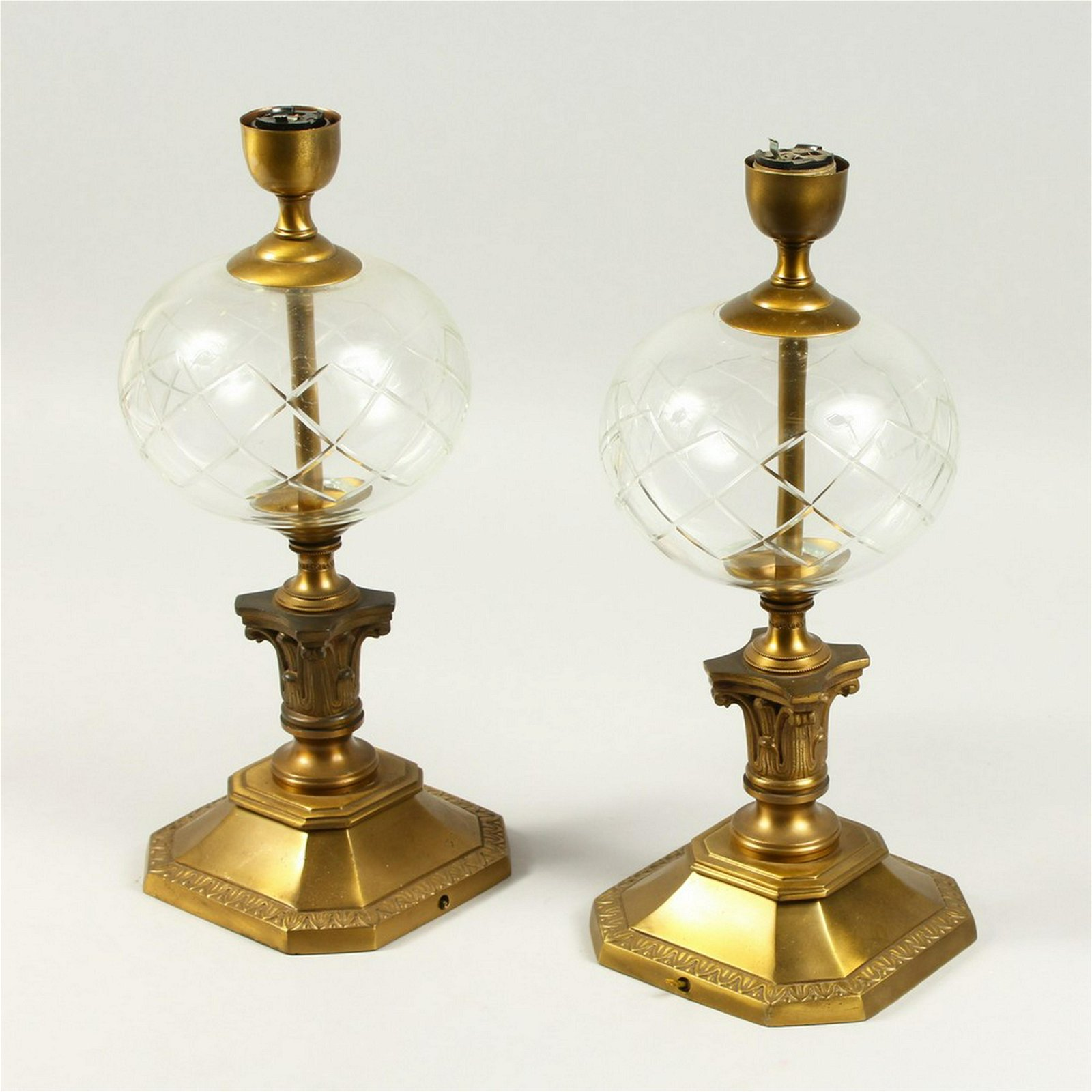 A PAIR OF 20TH CENTURY BRASS AND GLASS TABLE LAMPS,