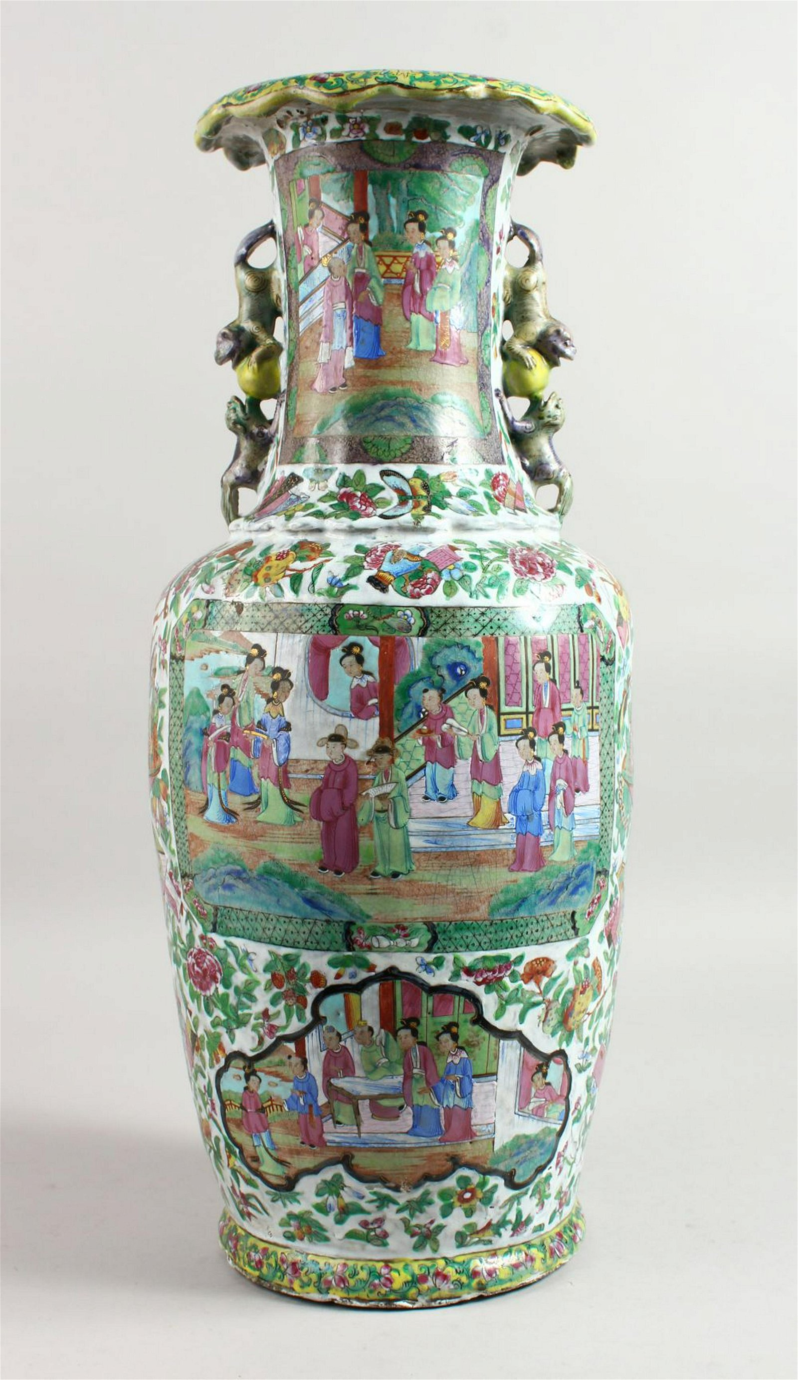 A LARGE CHINESE FAMILLE ROSE VASE with panels of