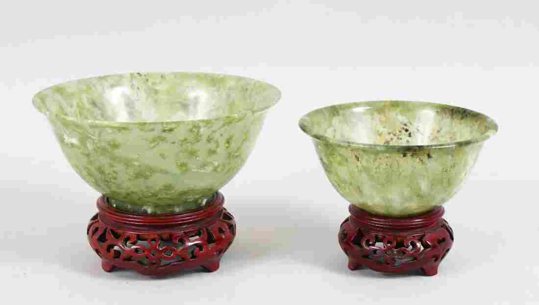 A GOOD PAIR OF 20TH CENTURY CHINESE GREEN JADE /