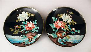 A PAIR OF JAPANESE LATE MEIJI PERIOD CLOISONNE DISHES