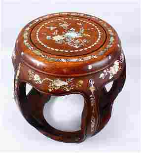 A GOOD 19TH CENTURY CHINESE HARDWOOD MOTHER OF PEARL