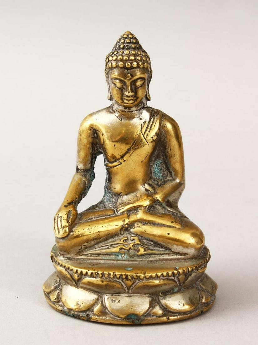 A SMALL 19TH / 20TH CENTURY SILVERED BRONZE FIGURE OF A