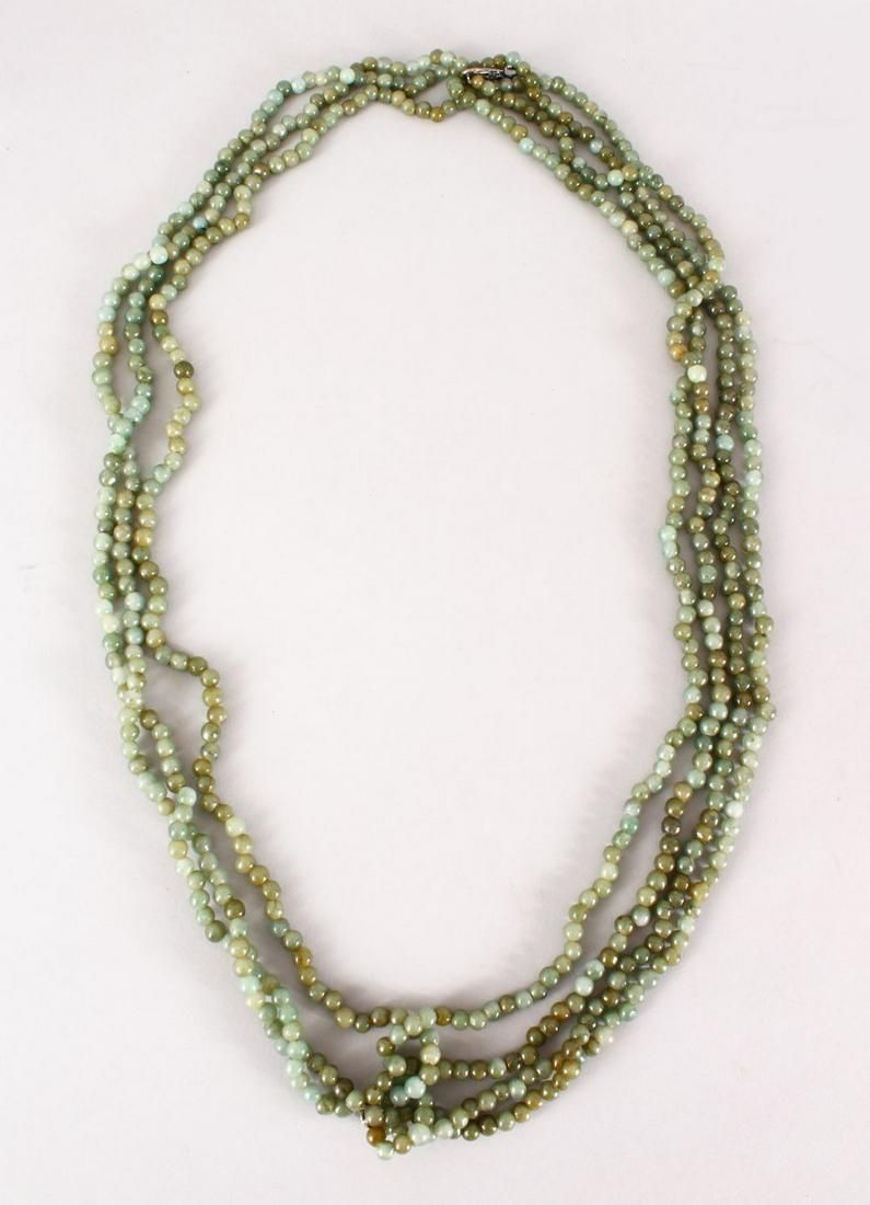 A GOOD CHINESE CARVED JADE / HARD STONE BEAD NECKLACE,