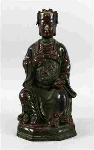 A GOOD CHINESE 19TH / 20TH CENTURY BRONZE FIGURE OF A