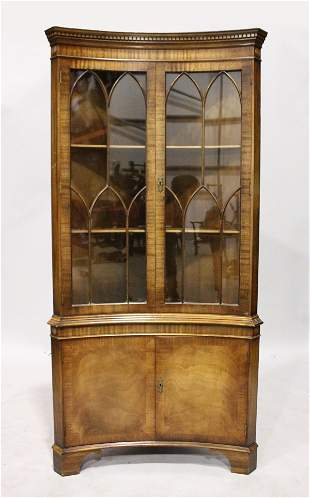 A GEORGIAN-STYLE MAHOGANY CONCAVE STANDING BOOKCASE,