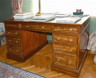 A GOOD GEORGE III MAHOGANY DESK with inset leather top,