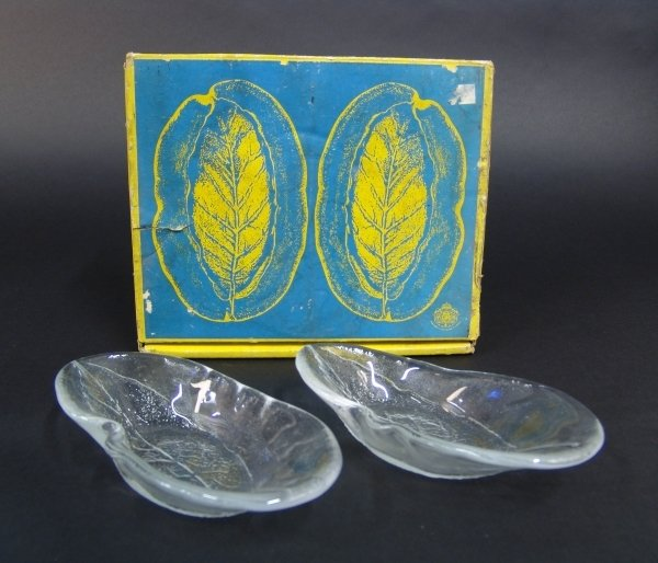 """2021: A PAIR OF KOSTA CLEAR GLASS DISHES from the """"Avoc"""