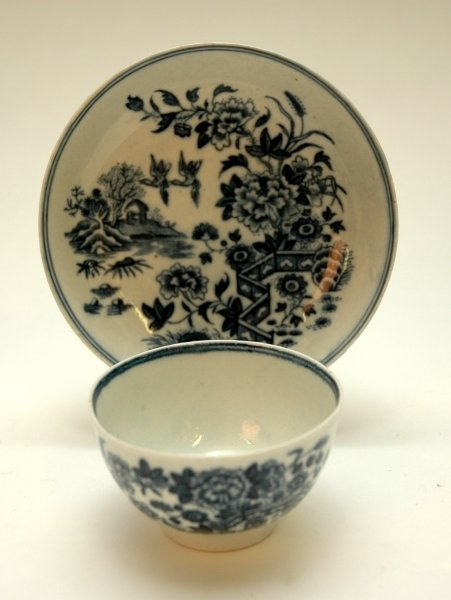 31: A WORCESTER BLUE AND WHITE TEA BOWL AND SAUCER, 'Th