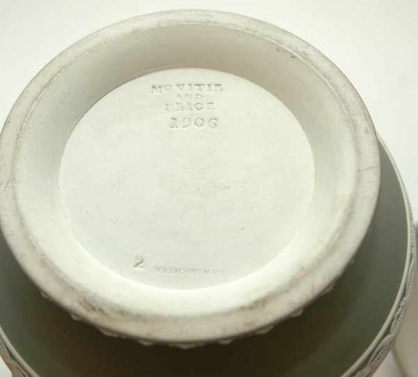 49: A WEDGWOOD GREEN AND WHITE JASPER WARE TWO HANDLED - 2